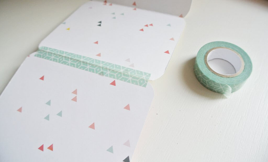 Unir papel de scrap con washi tape