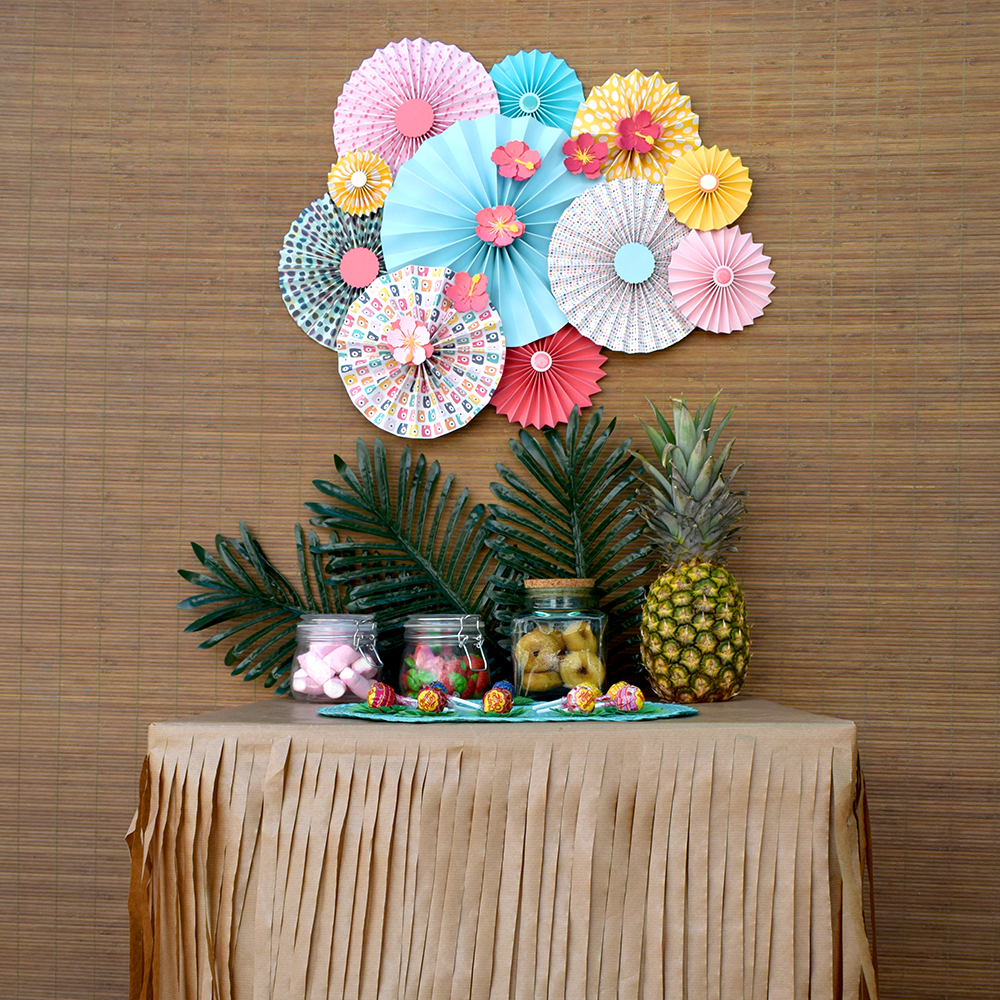 C mo hacer adornos de papel para fiesta tropical up for Web decoracion